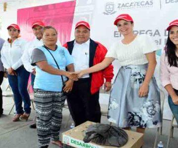 GOBIERNO DEL ESTADO ENTREGA APOYOS DIVERSOS Y TRES COMEDORES COMUNITARIOS EN GUADALUPE