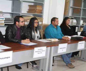 ASIGNAN PLAZAS A SIETE DOCENTES DE PREPARATORIAS ESTATALES